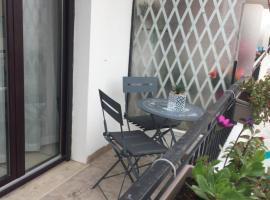 Residence L Anjouan, hotel near Marineland Antibes, Antibes