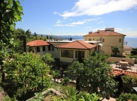 Apartments with a parking space Opatija - 7861, budget hotel in Opatija