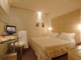 Hotel First, hotel in Calenzano