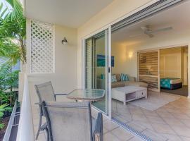 Macrossan House Boutique Holiday Apartments, hotel near Crystalbrook Superyacht Marina, Port Douglas