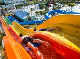 Disney Dreams Luxury Home with Private Water Park, hotel in Orlando