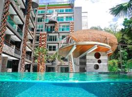 Emerald Terrace Resort Poolview, hotel in Patong Beach