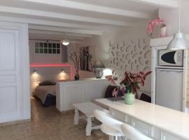89 Le Grand Pin, apartment in Sainte-Maxime