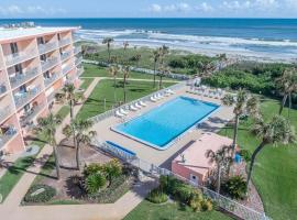 Cocoa Beach Towers, apartment in Cocoa Beach