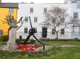 Monmouth House Apartments, apartment in Lyme Regis