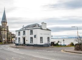 The Newport Restaurant with Rooms, hotel near St Andrews - Eden Course, Newport-On-Tay