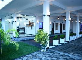 Liyonaa Beach Hotel, отель в Тринкомали