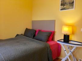 Studio apartment,own entrance, keyless check in., leilighet i Stockholm