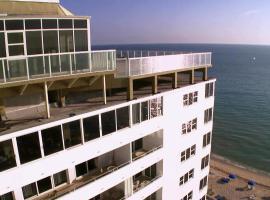 Galt Ocean Drive Beach Condo, serviced apartment in Fort Lauderdale