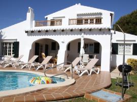 Residence by G Villa Binigo, hotel a Binibeca