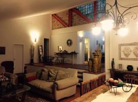 Condominio parque dos eucaliptos, pet-friendly hotel in Itaipava