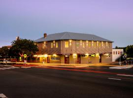 Pier Hotel, hotel in Coffs Harbour