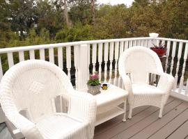 Victorian Luxury One Bedroom Apartment, apartment in St. Augustine