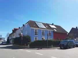 The Blue House, Ferienwohnung in Erlangen