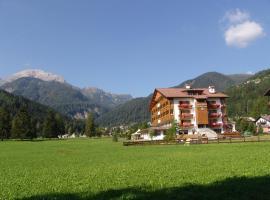 Sport Hotel Cristal, hotel in Falcade