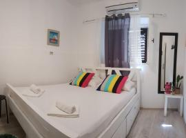 White Rabbit Hostel, room in Hvar