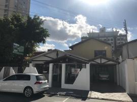 Apartamento com 2 quartos na Beira Rio - HOSTEL CASA VERDE, apartment in Itajaí