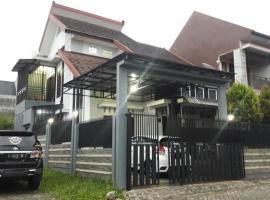 Villa Pesanggrahan Kusuma Batu, pet-friendly hotel in Batu