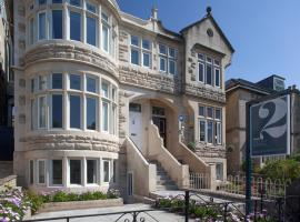 2 Crescent Gardens Guest House, budget hotel in Bath