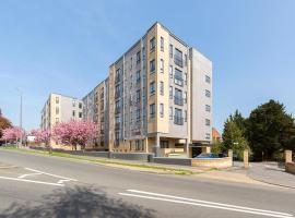 Golden Heights Apartments, hotel in Maidstone