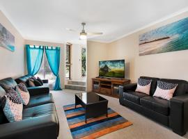 Growder Court 3 - Coolum Beach QLD, hotel in Coolum Beach