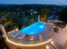 Luxury Villa Hvar Enigma with Pool, spa hotel in Vrboska