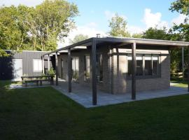 Bungalow Jonkerstee 34 - Ouddorp near nature and beach - not for companies, villa in Ouddorp