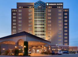 Embassy Suites Monterey Bay - Seaside, hotel near Monterey Bay Aquarium, Seaside