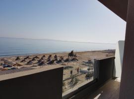 Tropical Beach A, hotel in Amoudara Herakliou