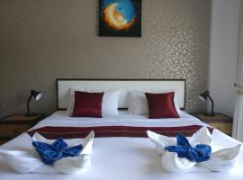 White Sky Boutique, hotel in Patong Beach