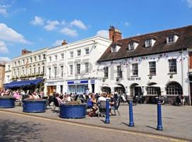 Warwick Market Place Apartment, hotel near Warwick Library and Infomation Centre, Warwick