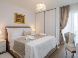 Apartment Amoretta with parking, hotel in Split