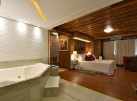 Pousada Borô, hotel with jacuzzis in Gramado
