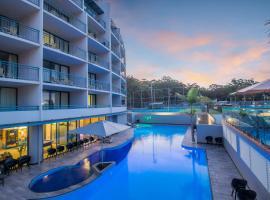 Landmark Resort, hotel in Nelson Bay
