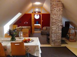 Buitenplaats De Blauwe Meije, self catering accommodation in Woerden