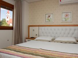 Ótima Localização e Vista da Cidade, hotel near Mini Mundo, Gramado