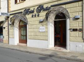 Hotel Posta, hotell i Cecina