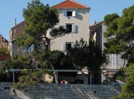 Apartments Tedeschi, guest house in Korčula