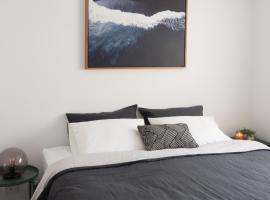 FortyOne - Oceanside Retreat Busselton, vacation home in Busselton