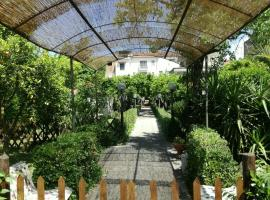 Il Giardino degli Agrumi, budget hotel in Caserta