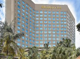 Shangri-la Hotel Surabaya, hotel with jacuzzis in Surabaya