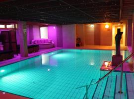 Wellness Suites Dellewal, spa hotel in West-Terschelling