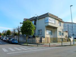 Apartamentos Las Calas, hotel near Mataleñas Golf Course, Santander