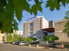 Hotel Laterum, отель в Пече
