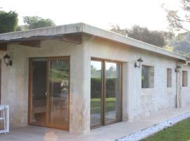 The calm house, hotel near Costa Brava Golf Course, Santa Cristina d'Aro