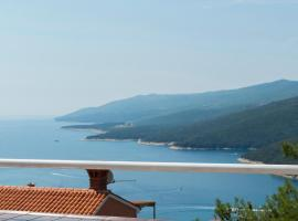 Lily Apartment, pet-friendly hotel in Rabac