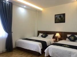 Queen Motel, hotel en Ha Long