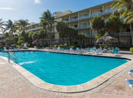 Days Hotel by Wyndham Thunderbird Beach Resort, hotel in Sunny Isles Beach