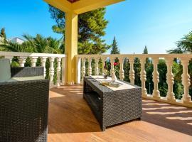 Villa Zlata, holiday home in Mlini