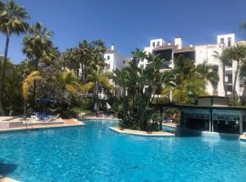 Jardines de las Golondrinas, Beachside with Sea Views, hotel 4 estrellas en Marbella